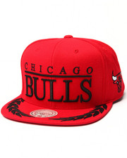 Men - Chicago Bulls NBA Laurel Snapback Hat