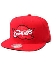 Mitchell & Ness - Cleveland Cavaliers Apple Red edition Snapback hat (Undervisor print detail)