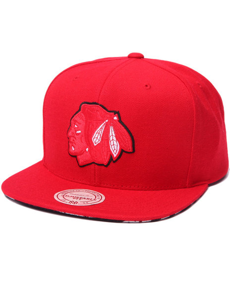 Mitchell & Ness Men Chicago Blackhawks Apple Red Edition Snapback Hat Red