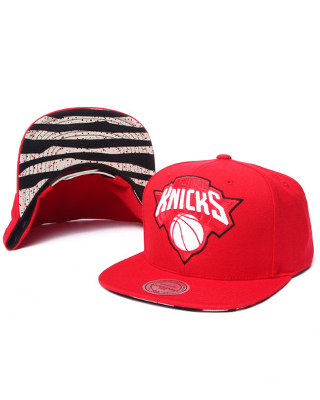 Mitchell & Ness - Men Red New York Knicks Apple Red Edition Snapback Hat (Undervisor Print Detail)