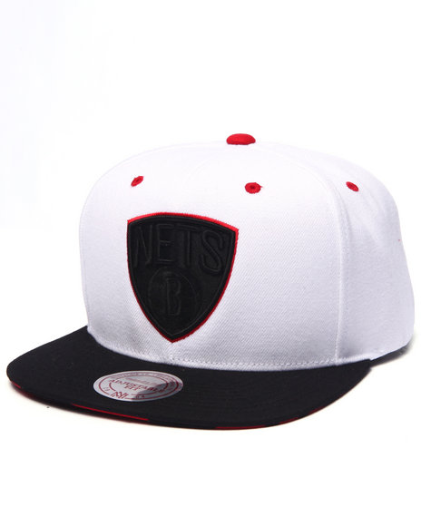 Mitchell & Ness - Men White Brooklyn Nets V Snapback Hat (Undervisor Print Detail)
