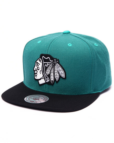 Mitchell & Ness - Men Forest Green Chicago Blackhawks Gem Green Edition Snapback Hat