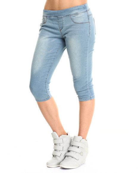Basic Essentials - Women Light Wash Pull-On Denim Capri