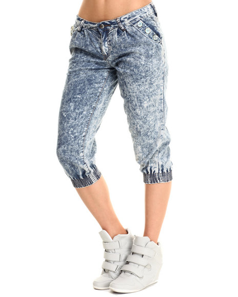 Fashion Lab - Women Medium Wash Chambray Capri Jogger