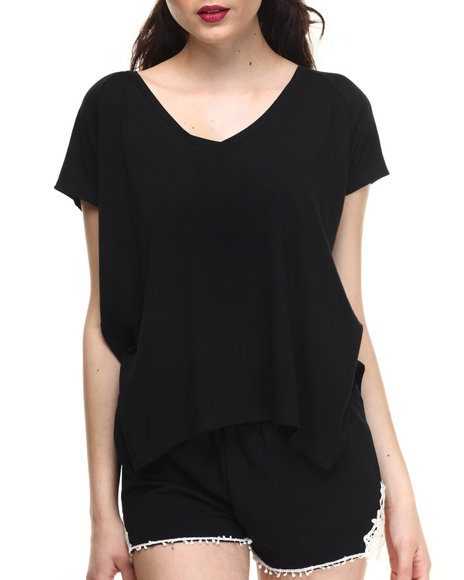 Fashion Lab - Women Black Relaxed Fit Tee W/Slit Side Hem