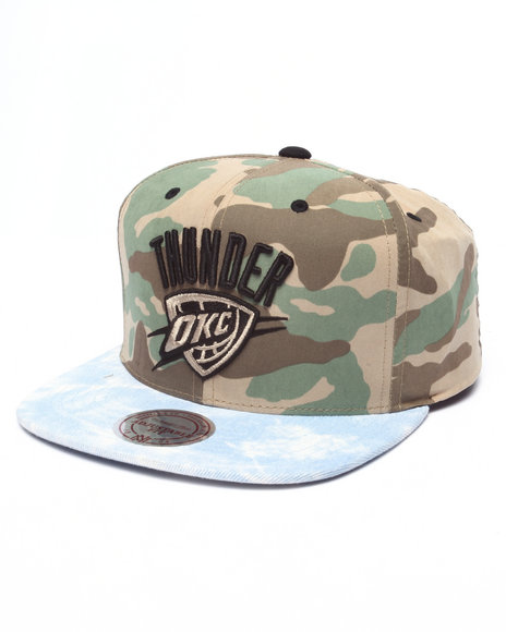 Mitchell & Ness Men Oklahoma City Thunder Distinguished American Camo