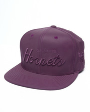 Mitchell & Ness - Charlotte Hornets Embroidered Script Tonal Reflective Snapback