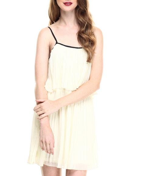 Ur-ID 216780 Fashion Lab - Women Cream Jr. Pleated Chiffon Dress