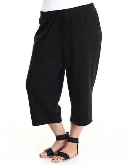 Fashion Lab - Women Black Plus Size French Terry Capri Pants