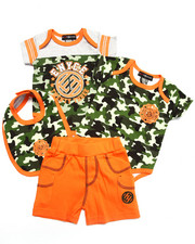 Boys - 4 PC SET - CAMO BODYSUITS, SHORTS, & BIB (NEWBORN)