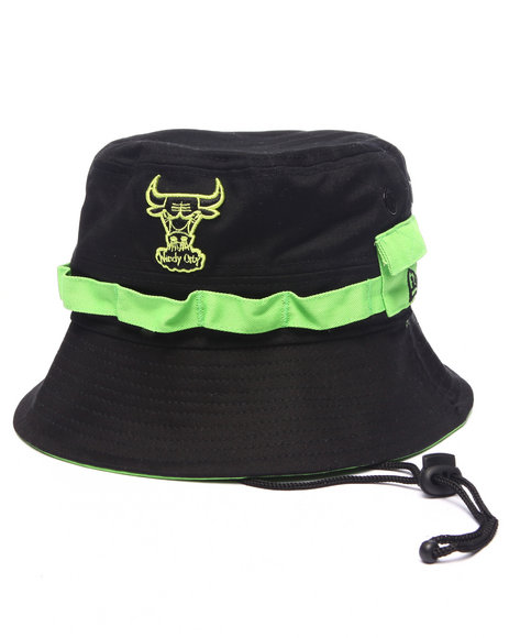 New Era - Men Black Chicago Bulls Adventure Bucket Hat