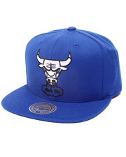 Mitchell & Ness - CHICAGO BULLS BLACK & WHITE SERIES SNAPBACK HAT