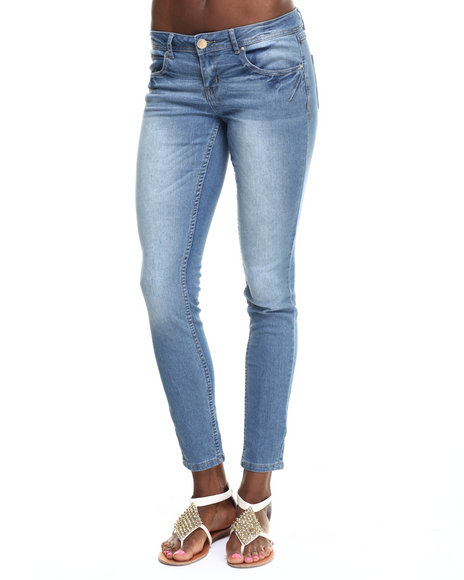 Ur-ID 217731 Basic Essentials - Women Light Wash Rebel By Right Darted 5 Pocket Skinny Jean