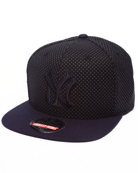 Ur-ID 223210 American Needle - Men Black New York Yankees Star Chid Snapback Hat