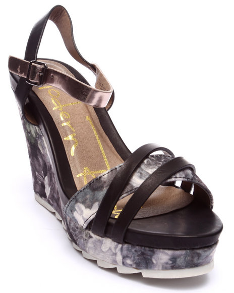 Ur-ID 218546 Fashion Lab - Women Black Lynn Floral Detail Wedge Sandal