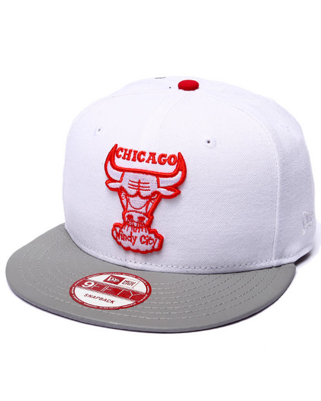 New Era Men Chicago Bulls White Reflective 6X Champs Snapback Hat White