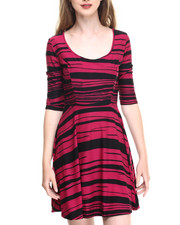 Women - Abstract Lines Skater Dress