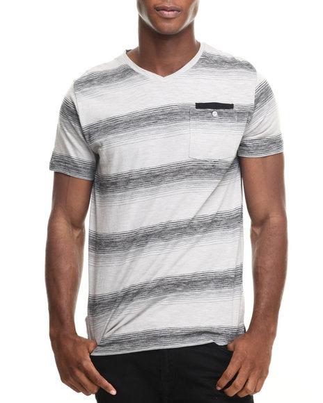 Ur-ID 220381 Buyers Picks - Men Charcoal S/S Slub Stripe V-Neck