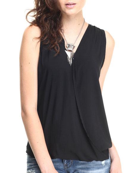 Ur-ID 220616 Fashion Lab - Women Black V-Neck Drape Hi Low Hem Tank Top