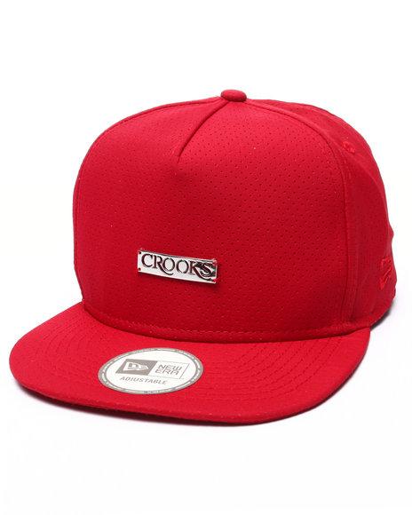 Ur-ID 223400 Crooks & Castles - Men Red Crooks Metal Badge Strapback