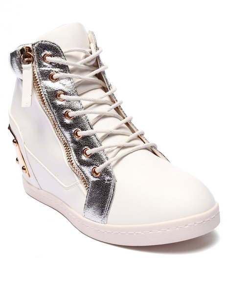 Ur-ID 220697 Fashion Lab - Women White Alison Metal Buckle High Top Sneaker