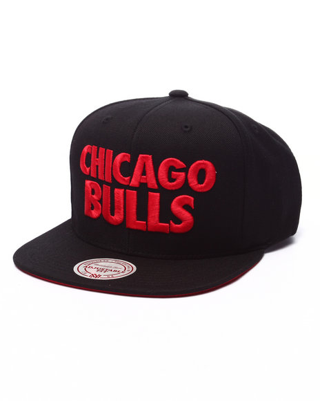 Mitchell & Ness - Men Black Chicago Bulls Hwc Title Snapback Cap
