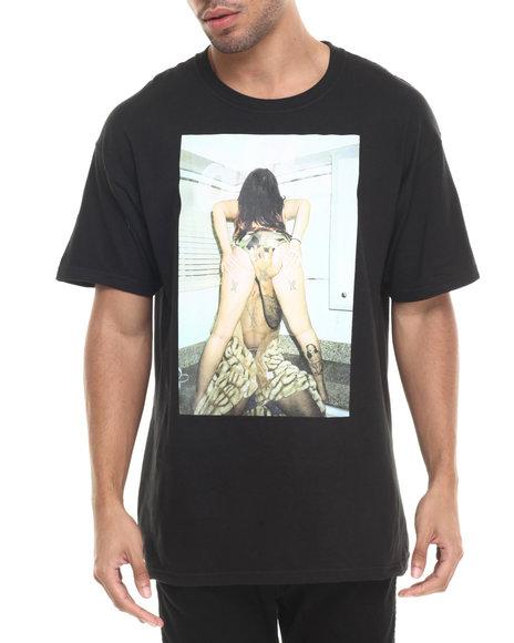 Ur-ID 223642 Alife - Men Black Booty T-Shirt