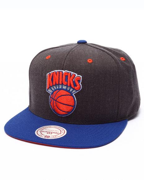 Ur-ID 223654 Mitchell & Ness - Men Grey New York Knicks Logo Snapback Cap