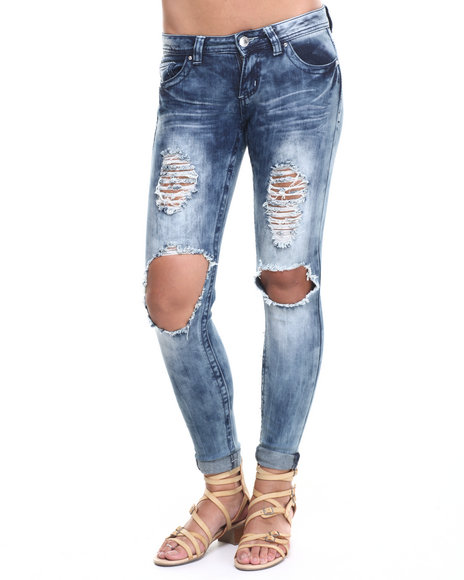 Ur-ID 224057 Almost Famous - Women Light Wash Destructed Knee Mini Roll Denim Skinny Jean