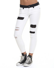 Straight - Rampage Sophie Crop w/ Cut Hem and Patch Jean