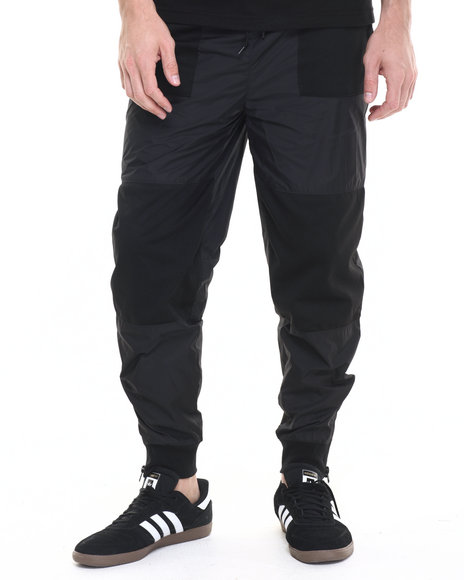 Ur-ID 224186 Famous Stars & Straps - Men Black Shadow Nylon Jogger