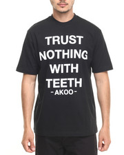 Men - Trust Nothing Tee