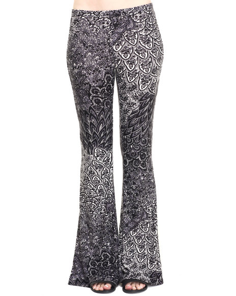 Fashion Lab - Women Black,Ivory Mystic Knit Flare Pant