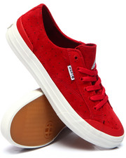 Men - Classic Lo Sneakers