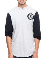 Mitchell & Ness - Brooklyn Nets NBA In The Clutch Henley Tee