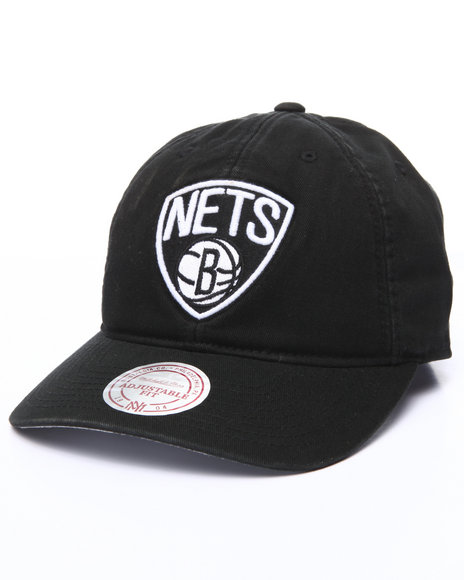Mitchell & Ness Men Brooklyn Nets S102 Strapback Cap Black