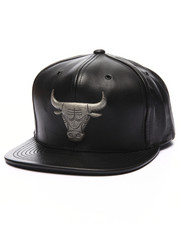 Mitchell & Ness - Chicago Bulls NBA Current Metal Brooch Snapback Cap