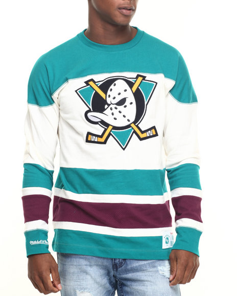 Mitchell & Ness - Men Cream,Green Anaheim Ducks Nhl Changing On The Fly Longsleeve (Traditional Fit) - $80.00