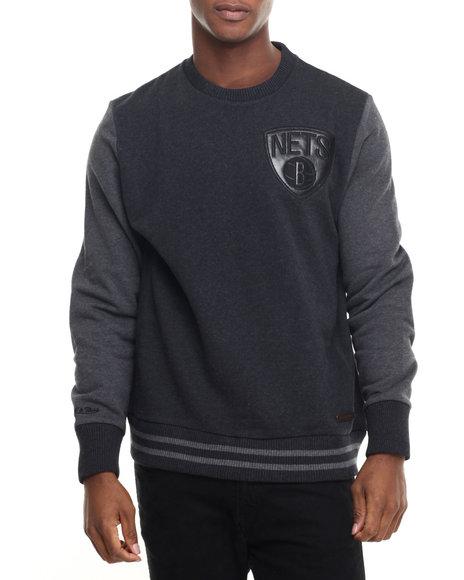 Mitchell & Ness - Men Black Brooklyn Nets Nba Leather Trim Crew Sweathshirt (Tailored Fit)