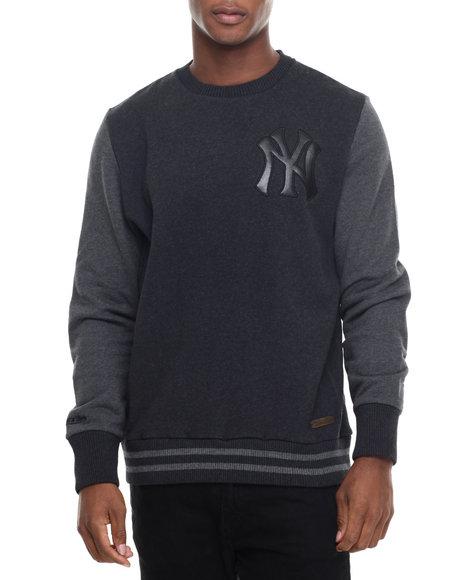 Mitchell & Ness - Men Black New York Yankees Mlb Leather Trim Crew Sweatshirt (Tailored Fit)