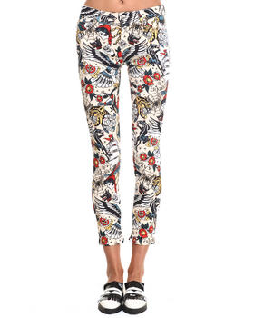 -FEATURES- - TATTOO PRINT JEANS