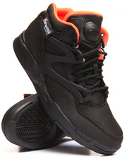 Footwear - Court Pump Omni