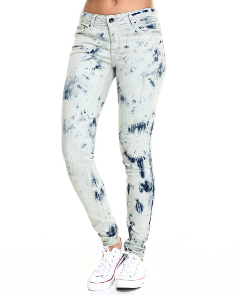 Fashion Lab - Women Acid Wash,Medium Wash Classic Acid Wash Skinny Jean - $40.00