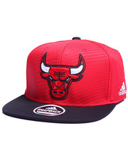 Adidas - Chicago Bulls Energy Stripe Snapback Hat