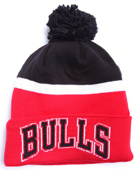 Adidas Men Chicago Bulls Logo Cuffed Knit Pom Hat Red - $21.99