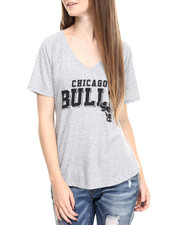 Tops - Chicago Bulls Bold Block V-Neck Tee