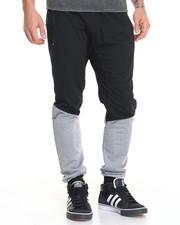 Men - Leg Panel Jogger