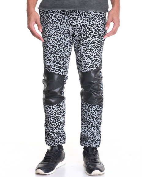 Basic Essentials - Men Black Elephant - Print Fleece Joggers
