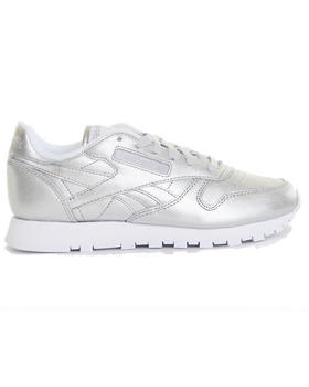 -FEATURES- - Classic Leather Spirit Sneakers