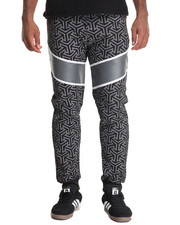 Buyers Picks - Free Agents Twisted Stripe Fleece Joggers